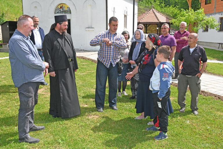 Са верницима из Лазаревца и околине